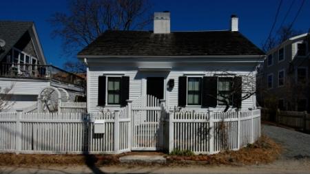 19 Pearl Street, Provincetown (2011), by David W. Dunlap.