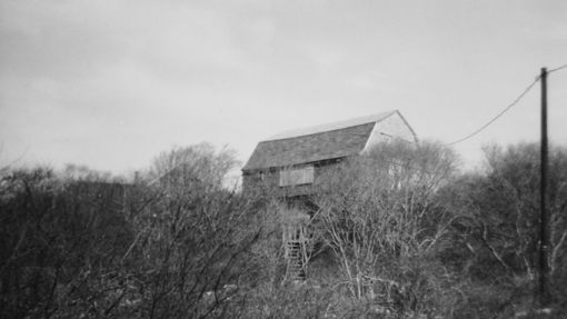 25 Miller Hill Road, Provincetown (1976), by Josephine Del Deo. Massachusetts Historical Commission Inventory, 1973-1977: Provincetown's East End. Courtesy of the Provincetown Public Library.