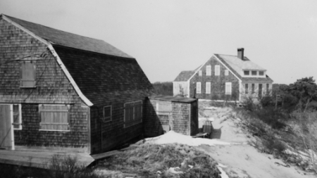 29 Miller Hill Road, Provincetown (1976), by Josephine Del Deo. Massachusetts Historical Commission Inventory, 1973-1977: Provincetown's East End. Courtesy of the Provincetown Public Library.
