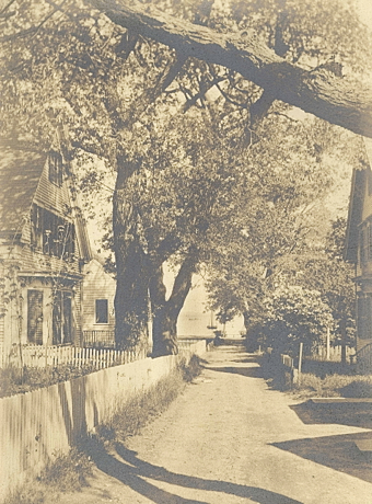 5 Nickerson Street (at left), Provincetown (ND). Courtesy of the Provincetown History Preservation Project (Atwood Collection).