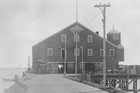 9 Ryder Street Extension, Provincetown (±1936). Sklaroff Family Photographs. Courtesy of the Provincetown History Preservation Project (Municipal Collection).