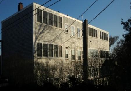 4 Brewster Street, Edwin Reeves Euler Building, by David W. Dunlap (2014).