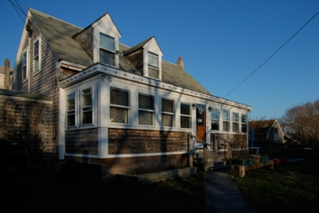 33 Pearl Street, Provincetown (2010), by David W. Dunlap.