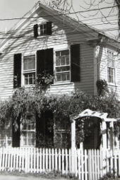 5 Webster Place, Provincetown (1976)by Josephine Del Deo. Massachusetts Historical Commission Inventory, 1973-1977: Provincetown Town Centre. Courtesy of the Provincetown Public Library.
