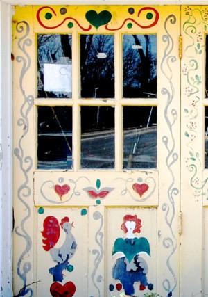 198 Bradford Street, garage door, by David W. Dunlap (2011).