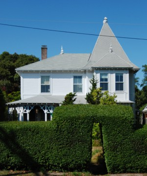 210 Bradford Street, Three Peaks Bed & Breakfast, by David W. Dunlap (2009).