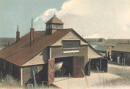 Peaked Hill Bars Life-Saving Station (1906), courtesy of the Provincetown History Preservation Project.