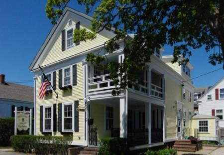 7 Center Street, Heritage House, by David W. Dunlap (2008).