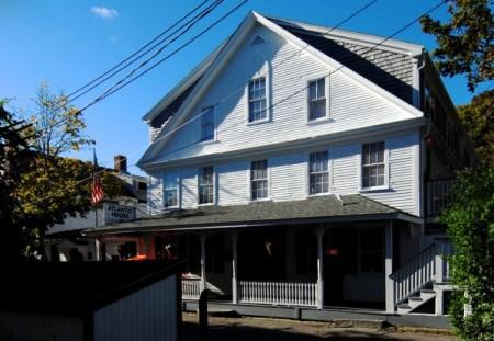 6 Masonic Place, Atlantic House, by David W. Dunlap (2012).
