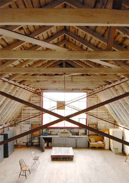29 Miller Hill Road, the Hawthorne Class Studio, by David W. Dunlap (2011).